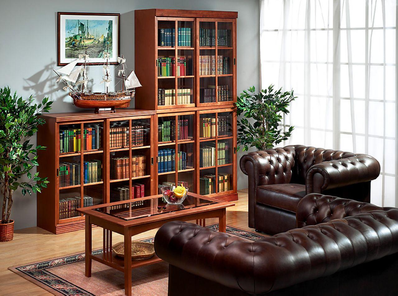 Интерьер библиотеки.